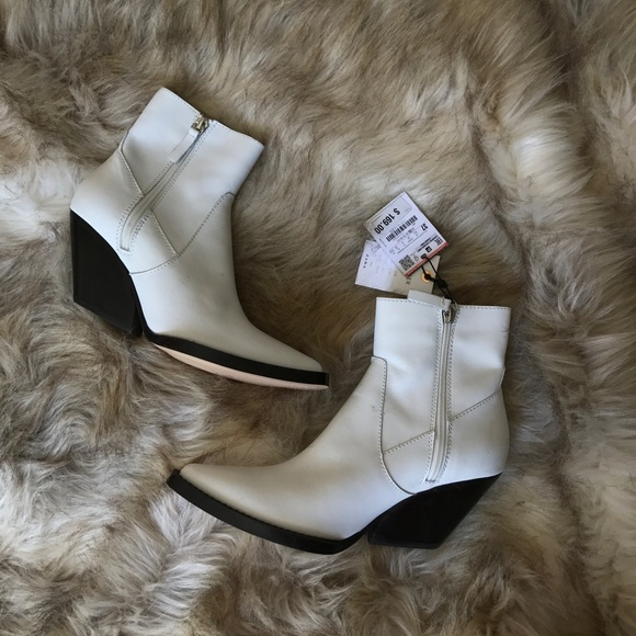 ef40ca04fb0 ZARA WHITE LEATHER ANKLE COWBOY BOOTS